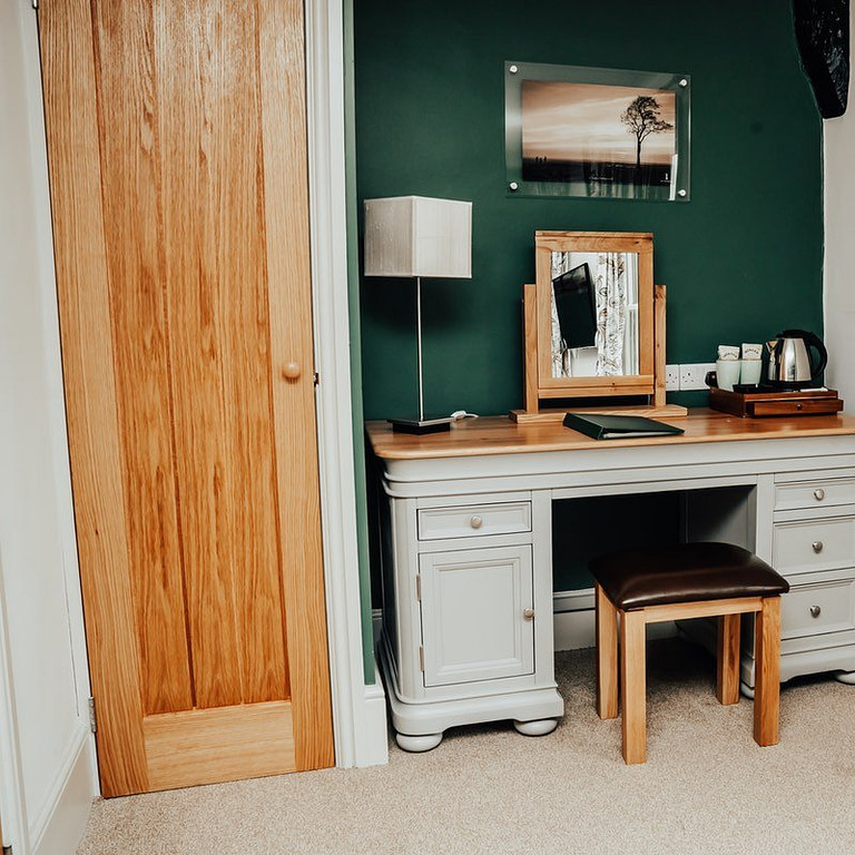Superior Deluxe Room Dressing Table