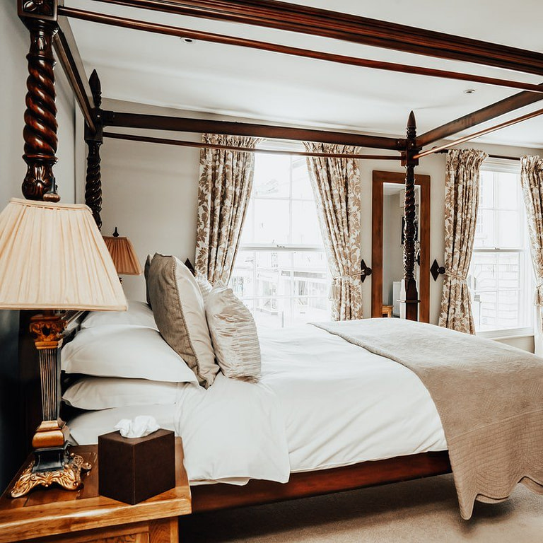 Peppermill Bridal Suite Four poster bed
